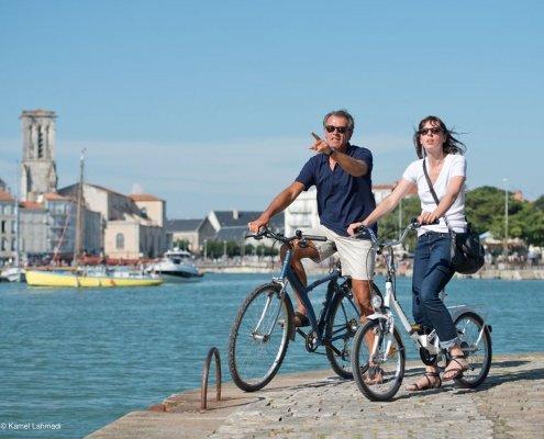 Cycling to school 495x400 - Au Pair