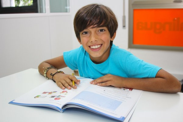 Junior student 600x400 - Junior French course