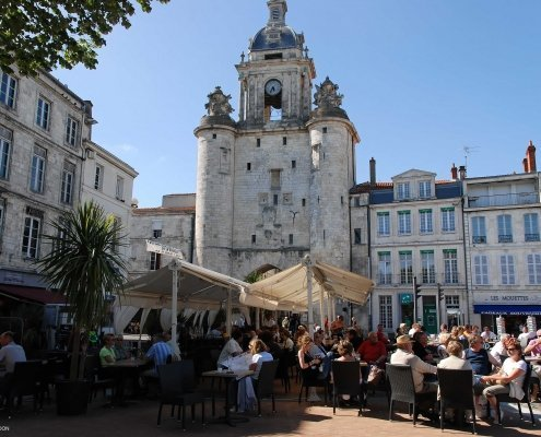 Lunch time in the historical town 495x400 - Au Pair