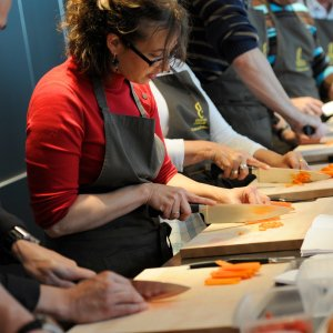 professional cooking class 300x300 - 50+