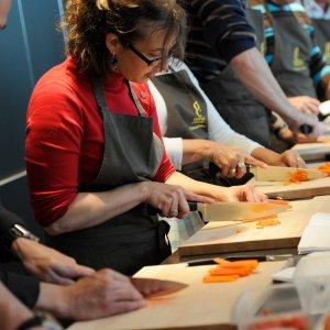 lezione di cucina professionale 300x300 - 50+