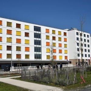 Uopia ext1 300x300-학생 기숙사